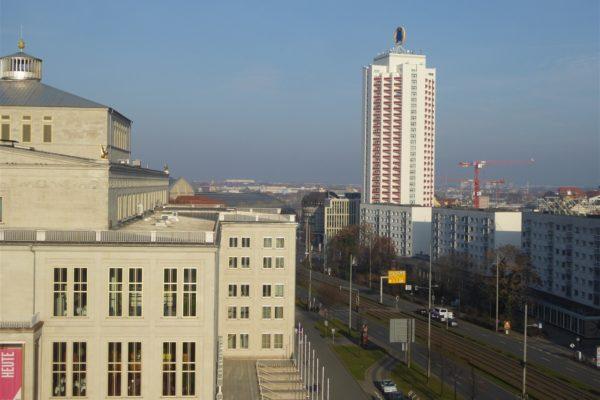Leipzig: Oper und Wohnhochhaus Wintergartenstraße